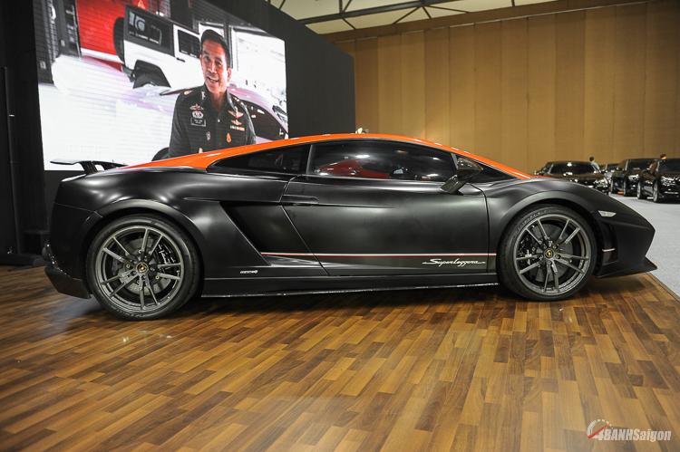 Lamborghini Gallardo Lp570-4 Superleggera Edizione Tecnica với phiên bản màu đen cam